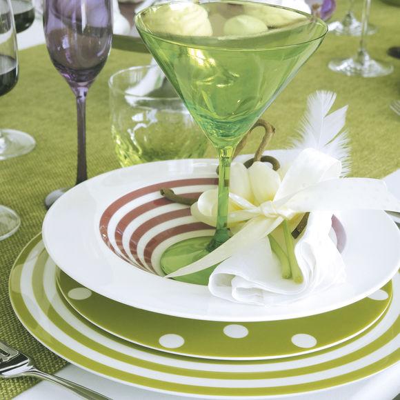 assiettes en porcelaine dessert motif pois 22cm. Black Bedroom Furniture Sets. Home Design Ideas