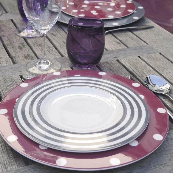 assiettes plates pois rouge porcelaine r sistante bruno evrard. Black Bedroom Furniture Sets. Home Design Ideas