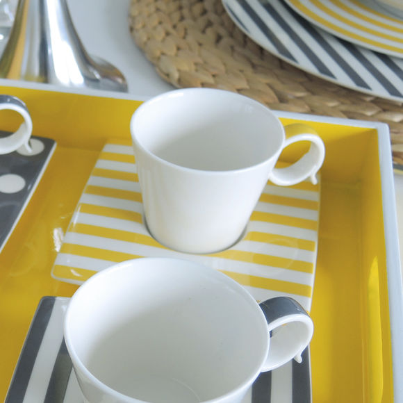 tasse et soucoupe en porcelaine fine et jaune vaisselle tendance. Black Bedroom Furniture Sets. Home Design Ideas