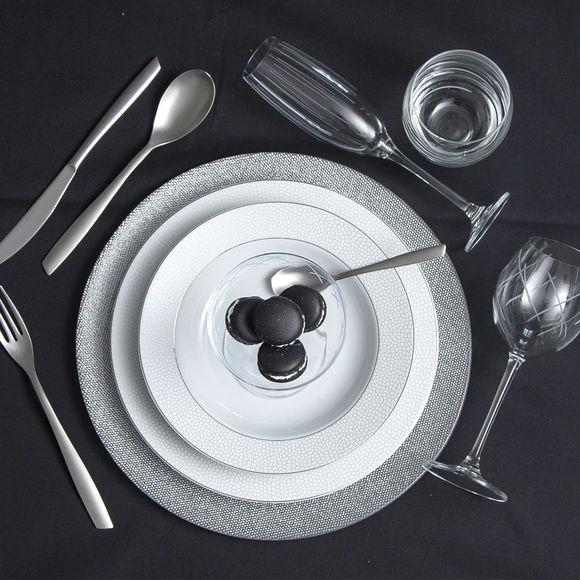 assiette de pr sentation couleur argent vaisselle et verrerie design. Black Bedroom Furniture Sets. Home Design Ideas