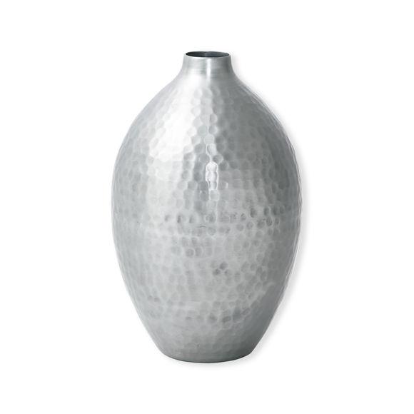 Vase design et tendance en aluminium couleur argent - Miroir argent martele ...