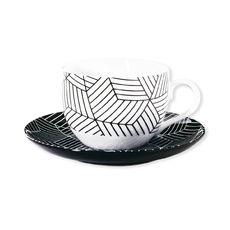 Tasse à thé motifs graphiques en porcelaine 20cl